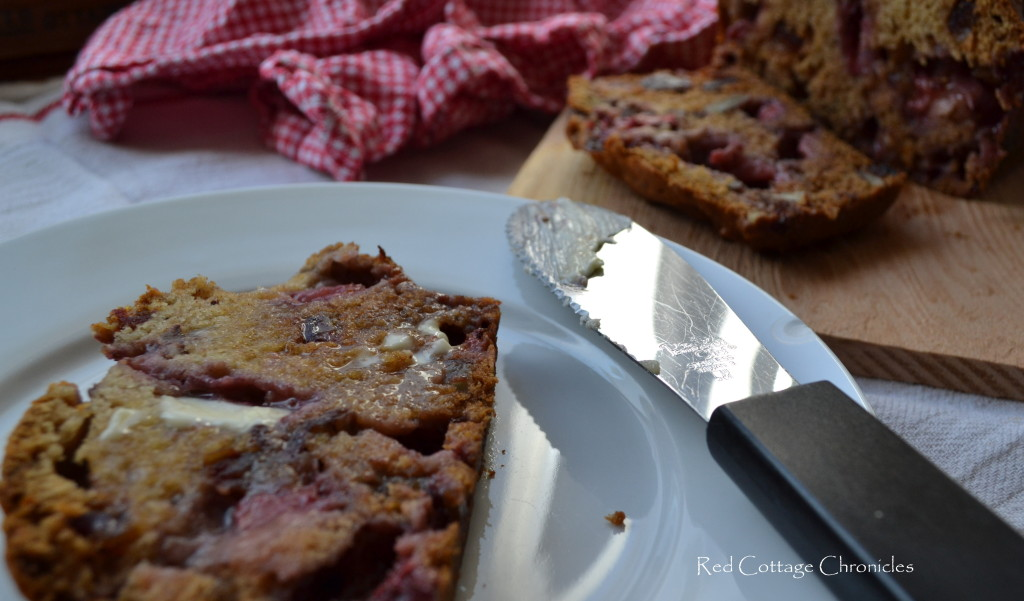 ... and make yourself some yummy Strawberry Date & Pecan Bread today