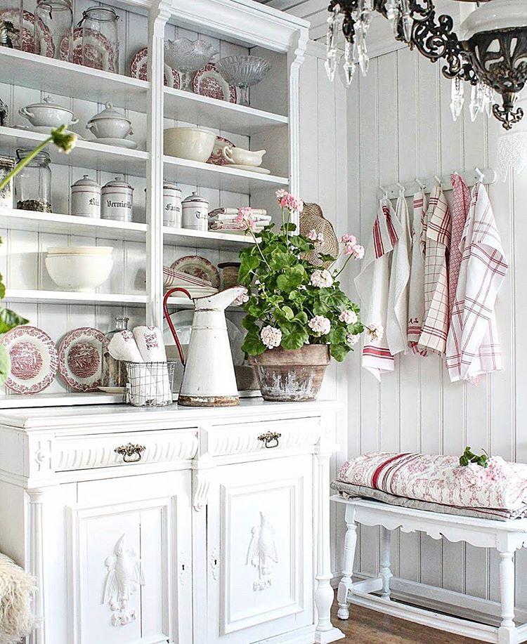 Gorgeous farmhouse style from Vibeke Designs