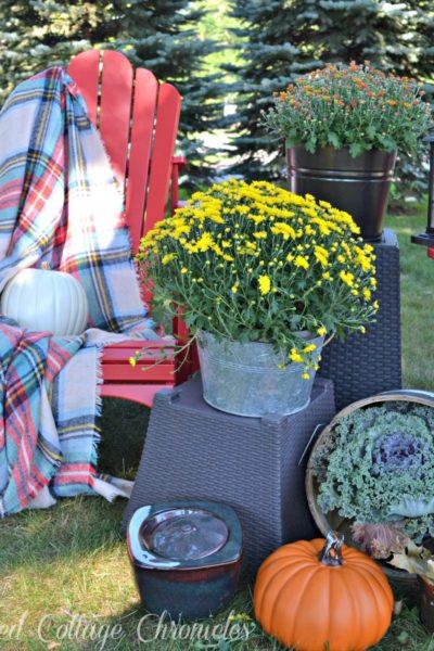 Outdoor Fall Decor When You Have No Porch