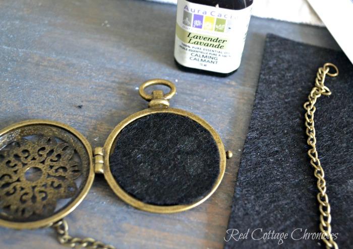 essential oils locket