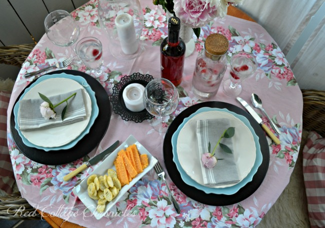 Tablescapes - A romantic table for two