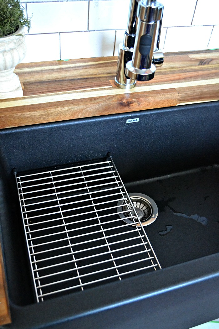 Silgranit IKON black farmhouse sink