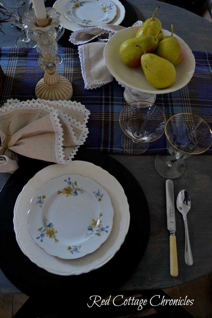 Early Autumn Tablescape Blog Hop