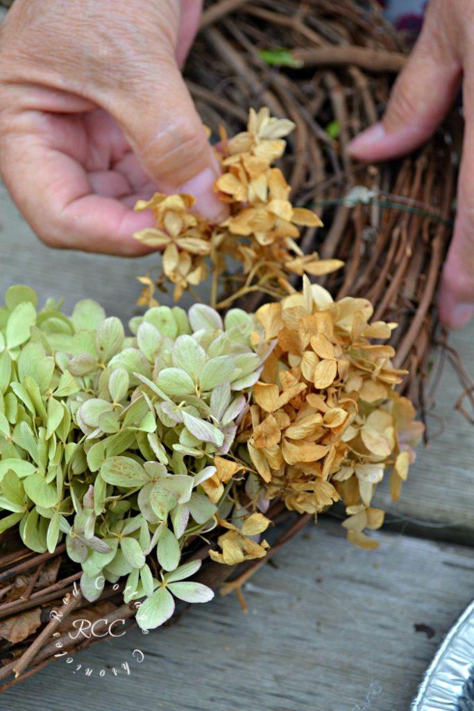 easy hydrangea wreath tutorial