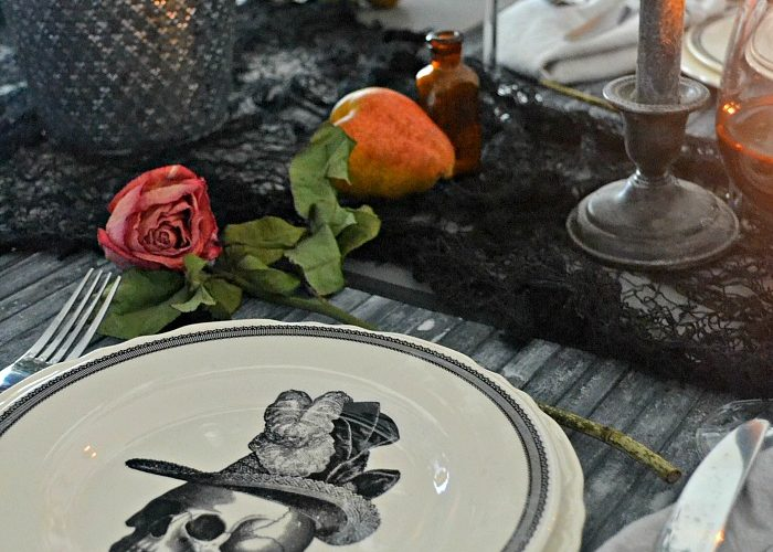 Elegantly Eerie Halloween Tablescape
