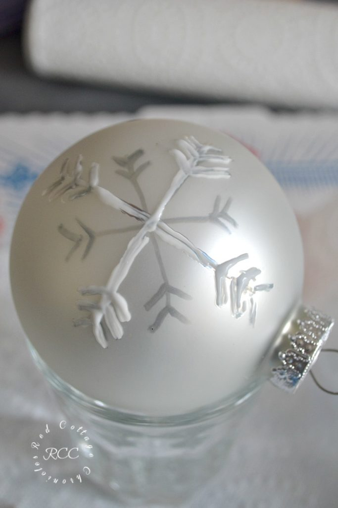 DIY sparkly snowflake ornament