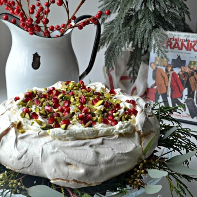 Christmas Movie Blog Hop – White Chocolate Pistachio Pavlova