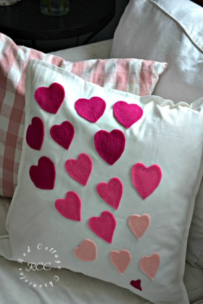 no sew crafts - easy no sew Valentine's pillow cover