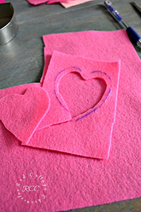 no sew crafts - easy no sew Valentine's pillow