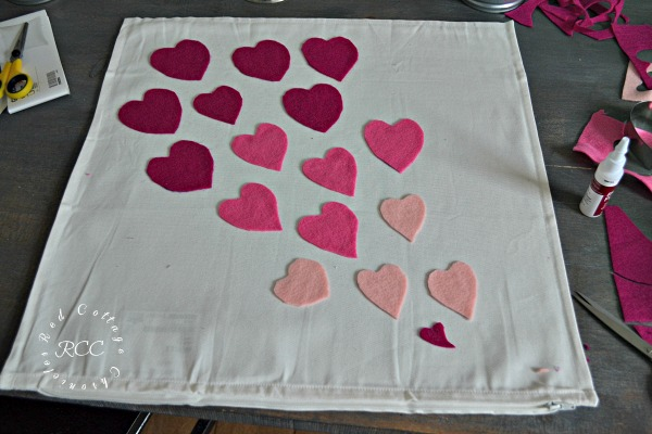 no sew crafts - easy Valentine pillow cover