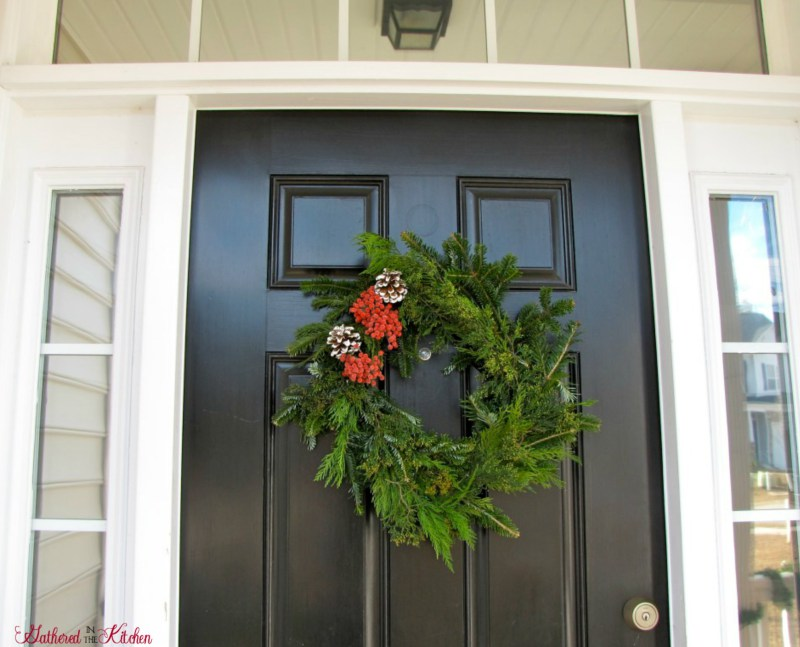 10 Easy DIY Christmas Door Decor Ideas