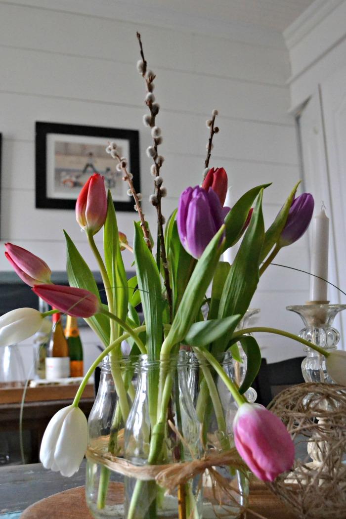farmhouse style tulip arrangement