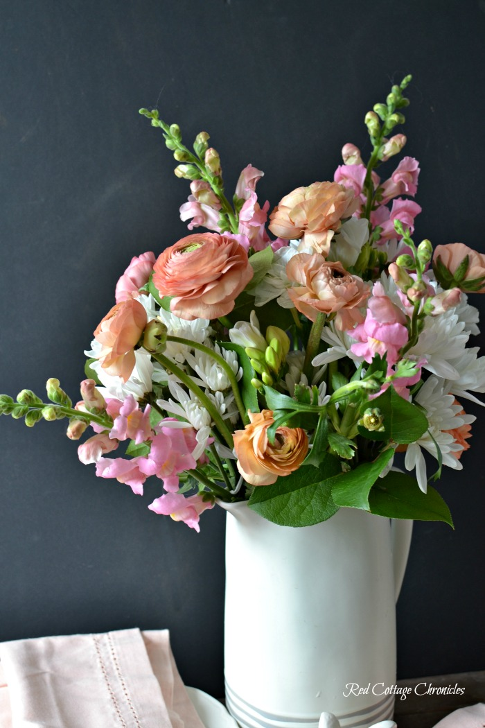 How to arrange spring flowers