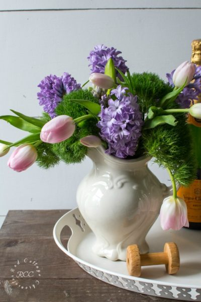 Easy Spring Flower Arrangement