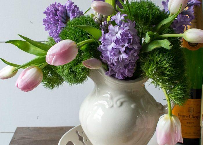 Easy Spring Flower Arrangement