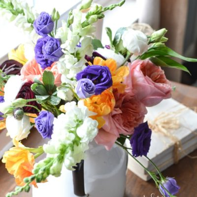 Market Flower Monday – Hand Tied Bouquet