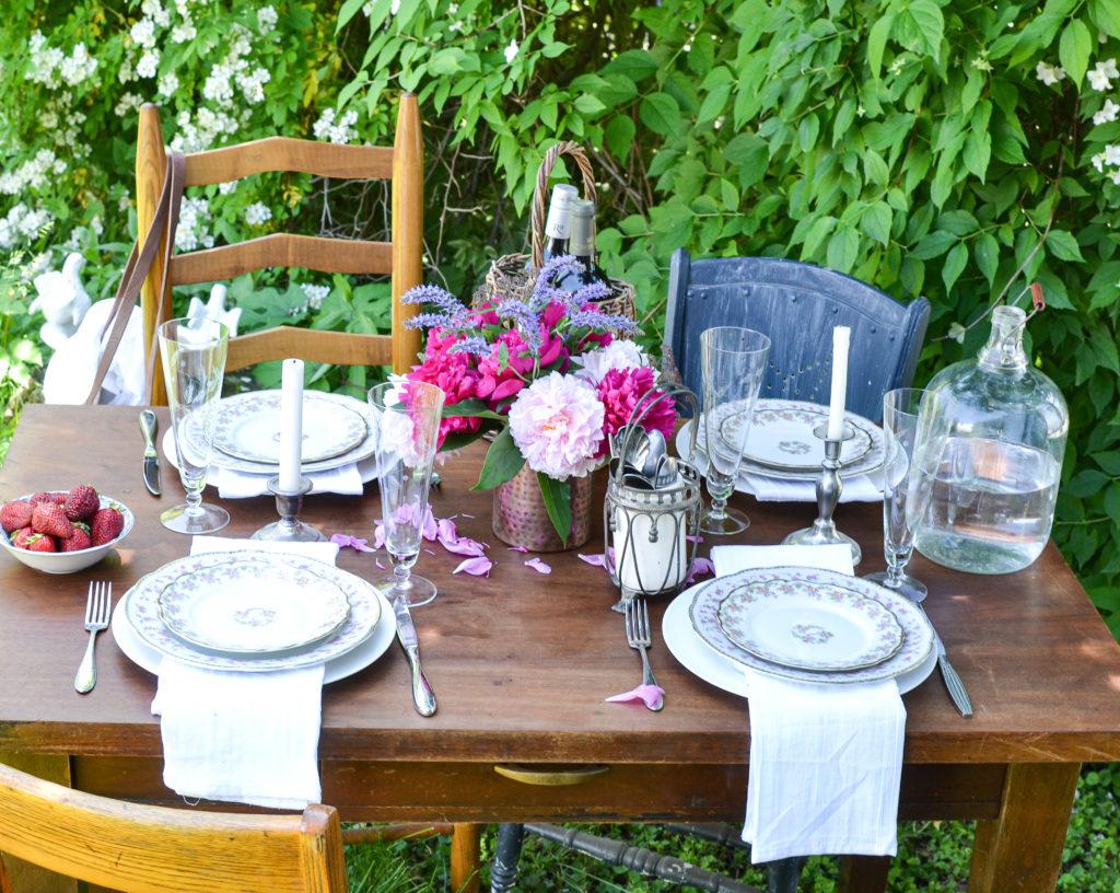 summer garden tablescapes