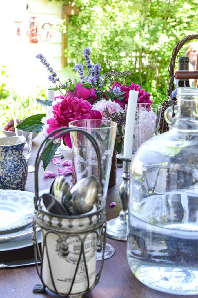 styling garden tablescapes