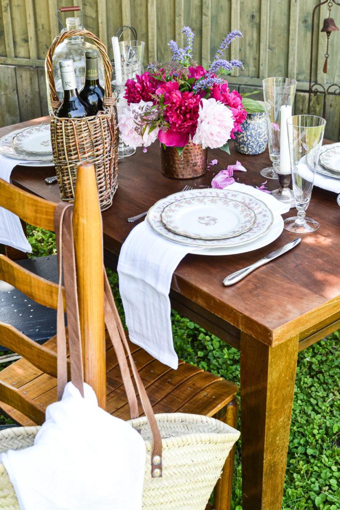 alfresco garden tablescapes