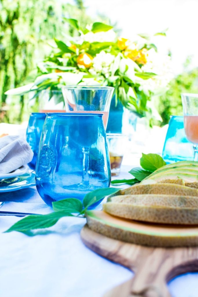 Summer Entertaining Ideas & Late summer tablescape