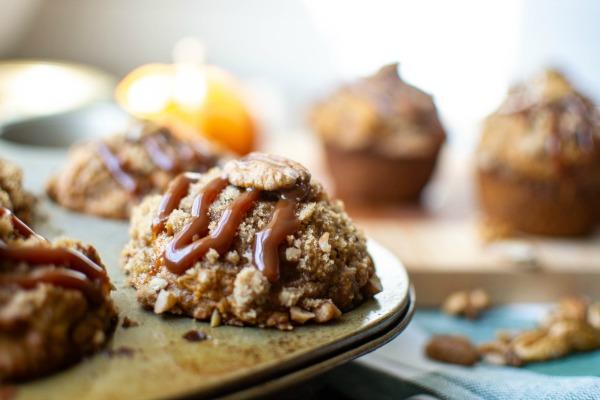 caramel pecan pumkin muffins