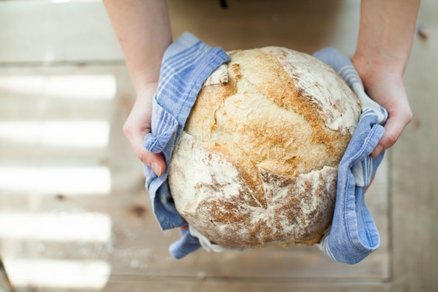 Fresh baked bread helps reduce plastic waste