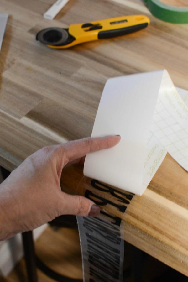 DIY Wood Christmas Signs made with Cricut Maker