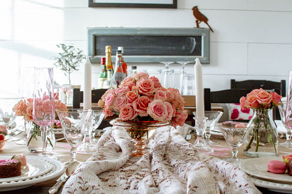 Valentine's Day Table Decor ideas to celebrate with your sweetheart or your best gal pals