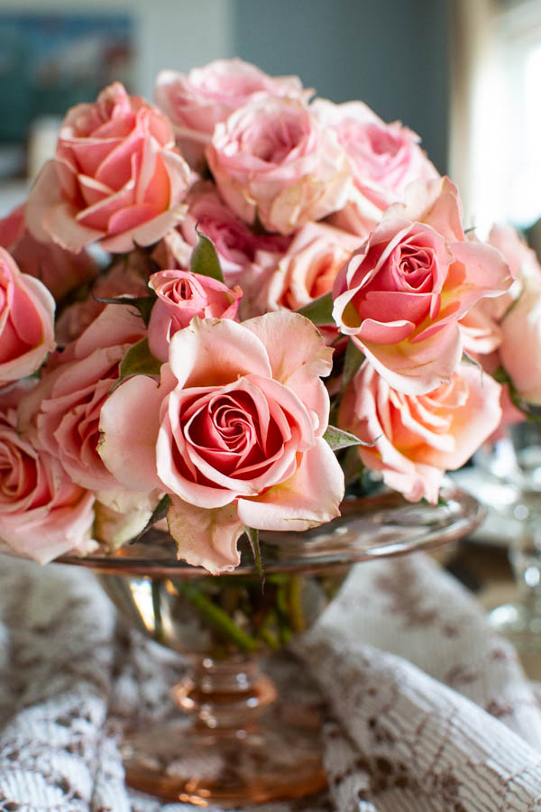 Pretty in Pink Valentine's Day table decor ideas