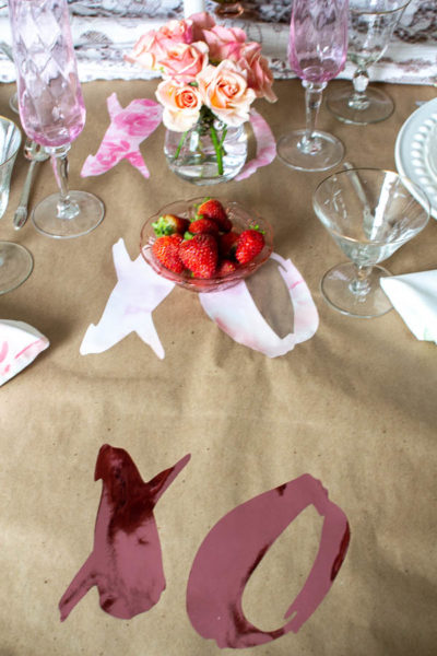 This DIY table runner is an easy Cricut Valentine's Day Project