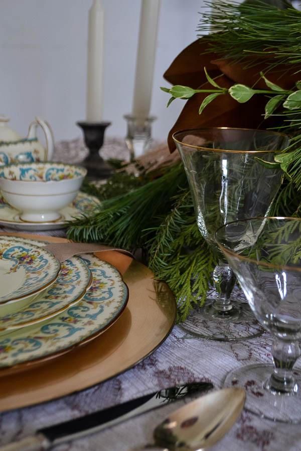 Traditional Christmas Table Decor