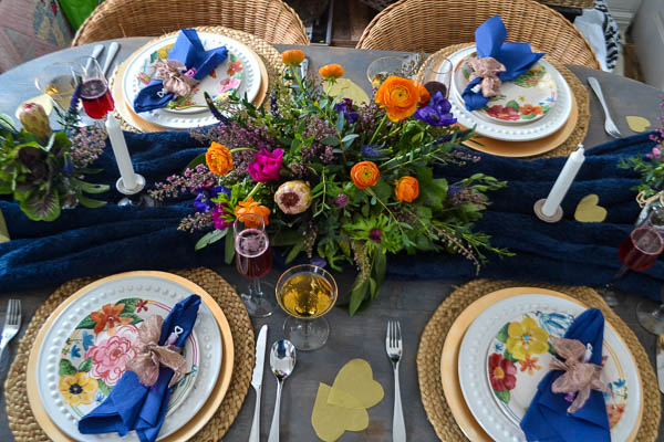 Valentine table decor with blue and orange