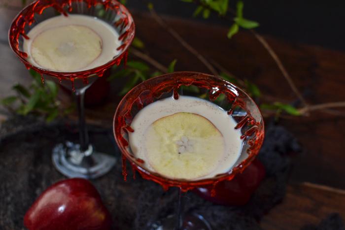 Apple Irish Creme and Fireball cocktail